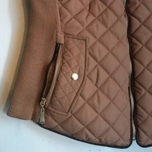 Active USA Jackets & Coats - Active USA Quilted Tan & Brown Vest size Large